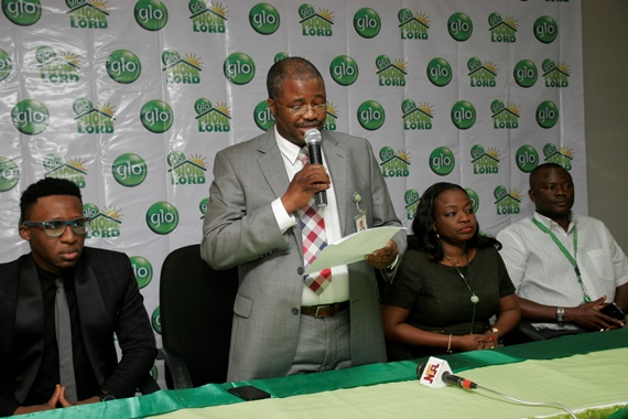 Glo Ambassador Bez flanked by Glo GM, Consumer Marketing, Mr Ashutosh Tiwary(left), Head of Gloworld, Mrs Titi Ebinisi, Coordinator Marketing, Mr. Adeniyi Olukoya and National Sales Coordinator, Mr. Kemi Kaka ( far right) at the launch of Phonelord, a revolutionary product that pays rent to subscribers.