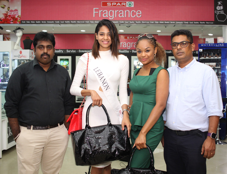 L - R- Vishnu Store Manager SPAR Nigeria, Miss Tomi Salami Ex Miss NIGERIA Tourism, Ex Miss LEBANON Jihan , John Goldsmith Head Marketing SPAR Nigeria