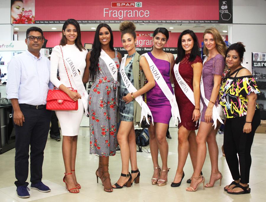 L - R- John Goldsmith SPAR Nigeria, Ex Miss LEBANON Jihan, Ex Miss USA Andreia, Ex Miss Ghana Rebeca, Ex Miss INDIA Shanan, Ex Miss UK Ffion, Ex Miss Canada Brianna & Reba SPAR Nigeria