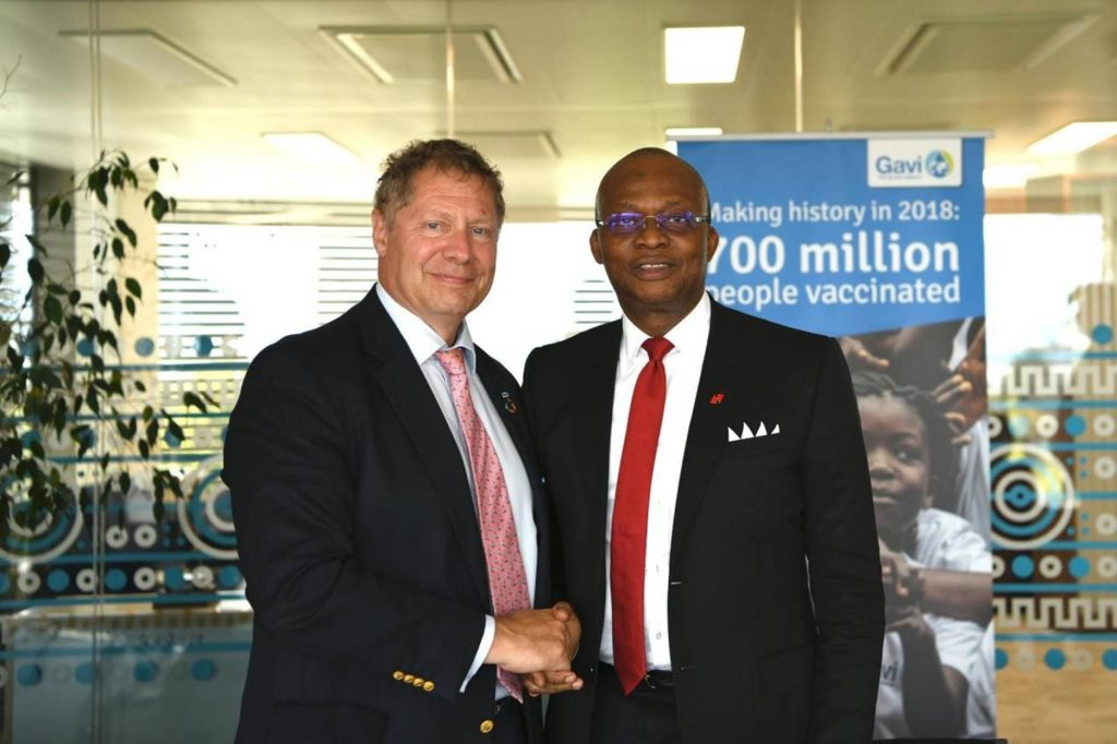 Dr Seth Berkley, CEO of Gavi, the Vaccine Alliance and Mr. Kennedy Uzoka, UBA Group CEO and Chairman of the UBA Foundation as they announce the partnership agreement between the two institutions towards strengthening health systems and raise awareness of immunisation across Africa, starting in 2018 with Nigeria
